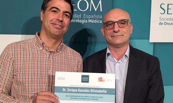 Dr. Enrique González Billalabeitia, ganador de una de las becas 2016