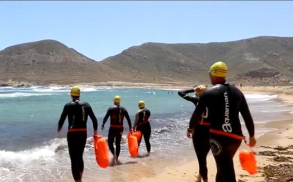 Diez nadadores se han unido para superar un reto solidario, @MójatePorLaVida.