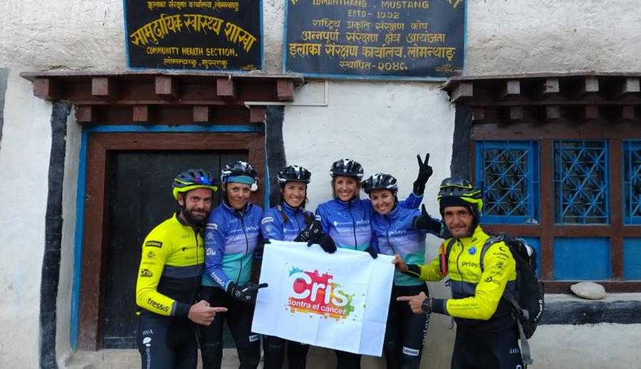 CRIS conquista el Annapurna con las expedicionarias del reto Pelayo Vida